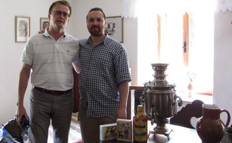 фото № 5 - Правнук Ярослава Гашека, Мартин (справа)